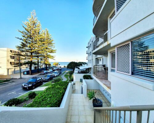 pandanus-shores-unit-6-caloundra-8