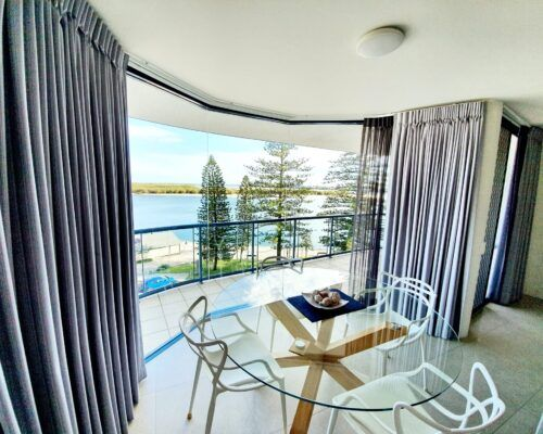 unit-10-apartment-caloundra-4