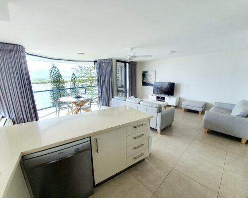 unit-10-apartment-caloundra-5