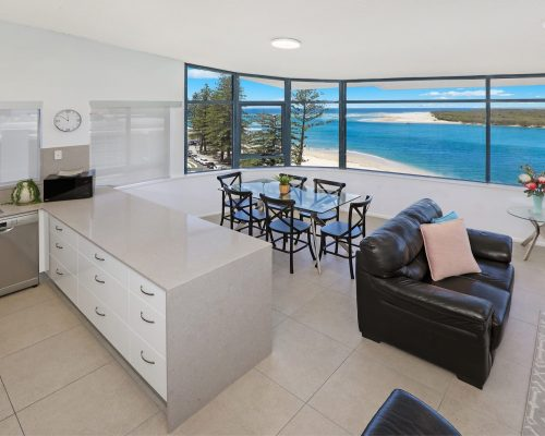 unit-12-caloundra-accommodation-1