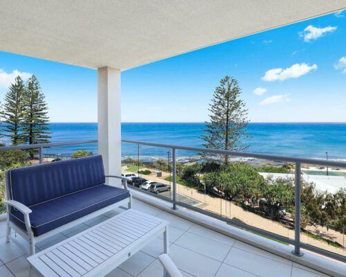 unit-13-kings-edge-caloundra-3