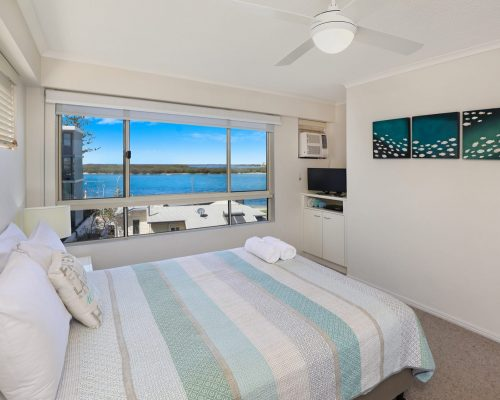 unit-14-caloundra-accommodation-1