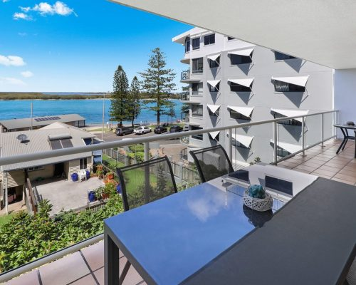 unit-14-caloundra-accommodation-2