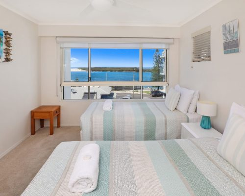 unit-14-caloundra-accommodation-3