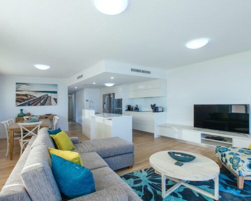 unit-17-kings-edge-caloundra-1