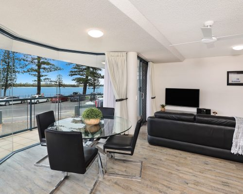 unit-2-caloundra-accommodation-10