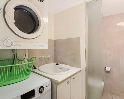 unit-2-caloundra-accommodation-12