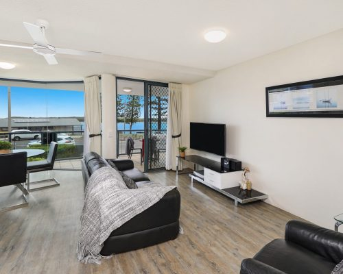 unit-2-caloundra-accommodation-13