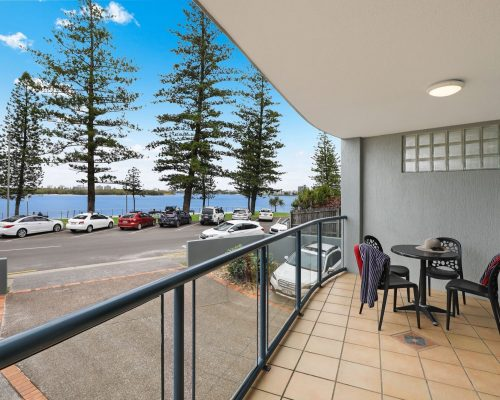 unit-2-caloundra-accommodation-3