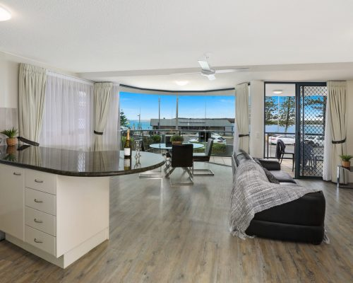 unit-2-caloundra-accommodation-8