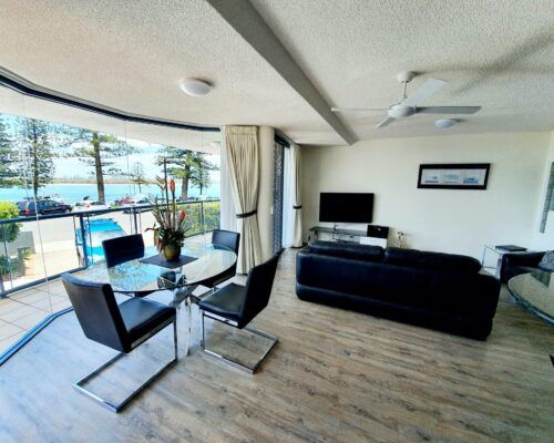 unit-2-caloundra-apartment-