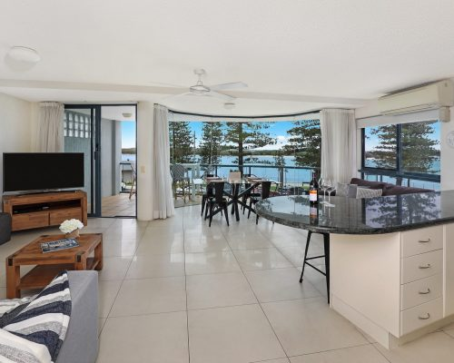 unit-3-caloundra-accommodation-1