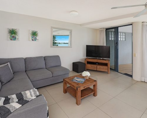 unit-3-caloundra-accommodation-2