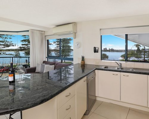 unit-3-caloundra-accommodation-4