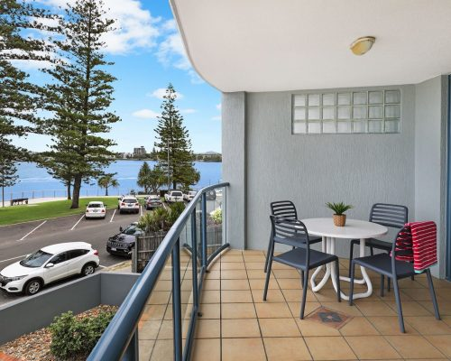 unit-4-caloundra-accommodation-1
