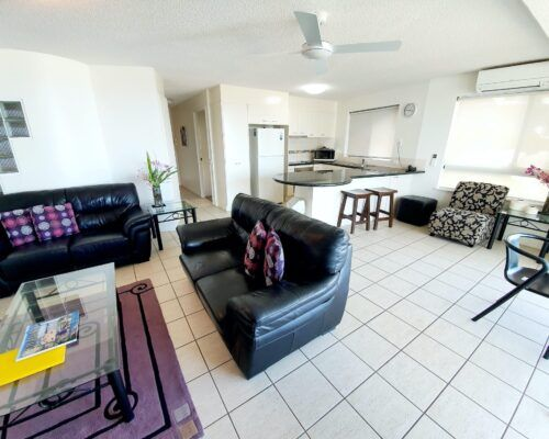 unit-4-caloundra-apartment-1