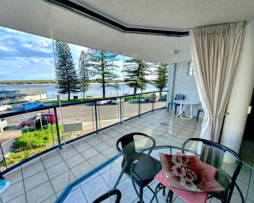 unit-4-caloundra-apartment-2