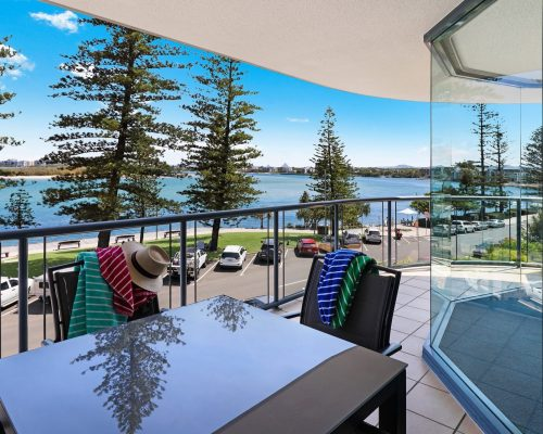 unit-5-caloundra-accommodation-1