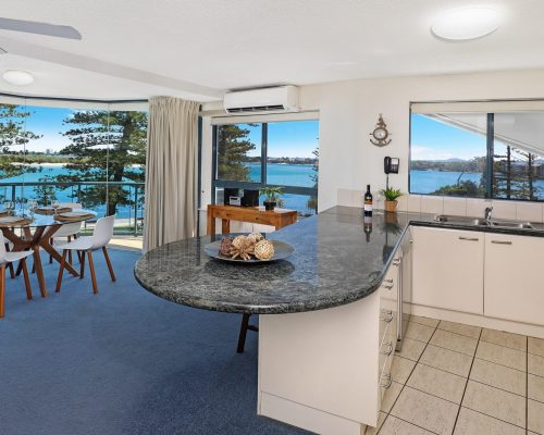 unit-5-caloundra-accommodation-2