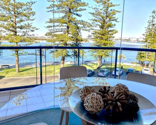 unit-5-caloundra-apartment-1