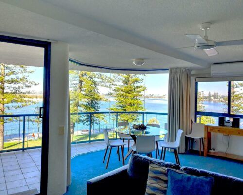 unit-5-caloundra-apartment-2