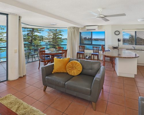 unit-7-caloundra-accommodation-1