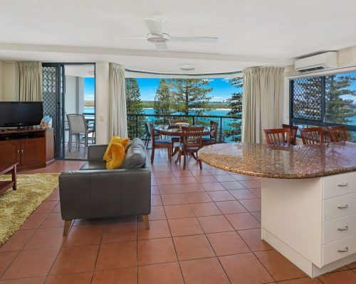 unit-7-caloundra-accommodation-2