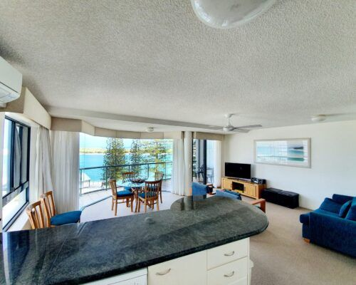 unit-8-apartment-caloundra-10