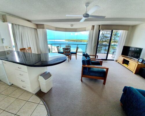 unit-8-apartment-caloundra-2