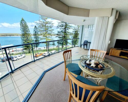 unit-8-apartment-caloundra-7