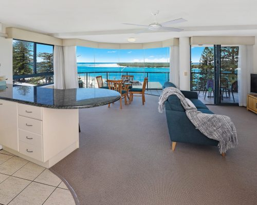 unit-8-caloundra-accommodation-1