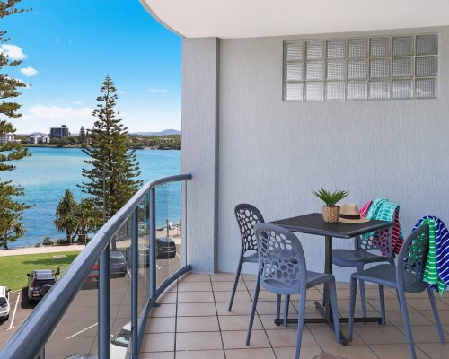 unit-8-caloundra-accommodation-2