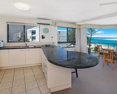 unit-8-caloundra-accommodation-5