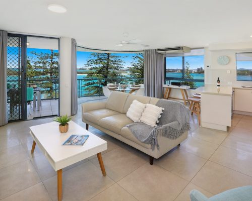 unit-9-caloundra-accommodation-3